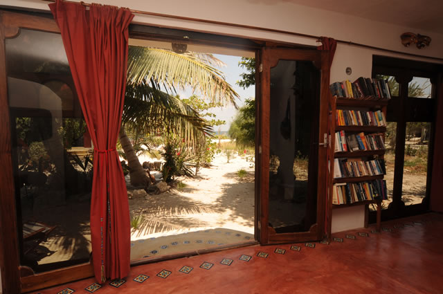 Travel in' Guest House Interior Windows
